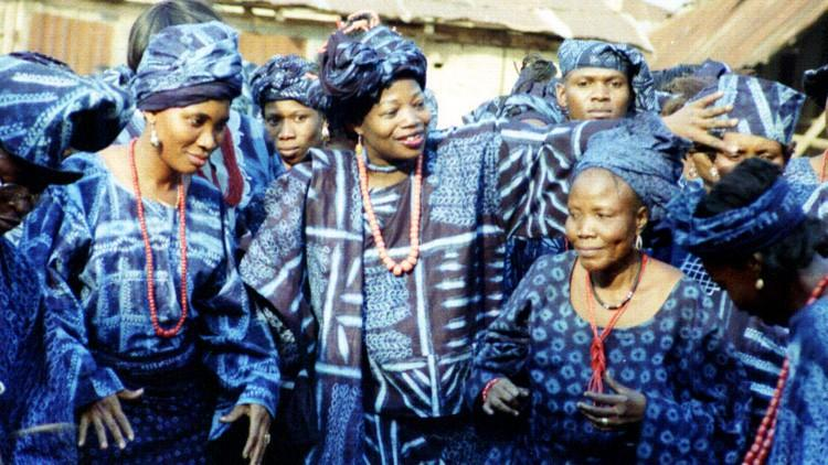 Adire - Indigo Textilien der Yoruba